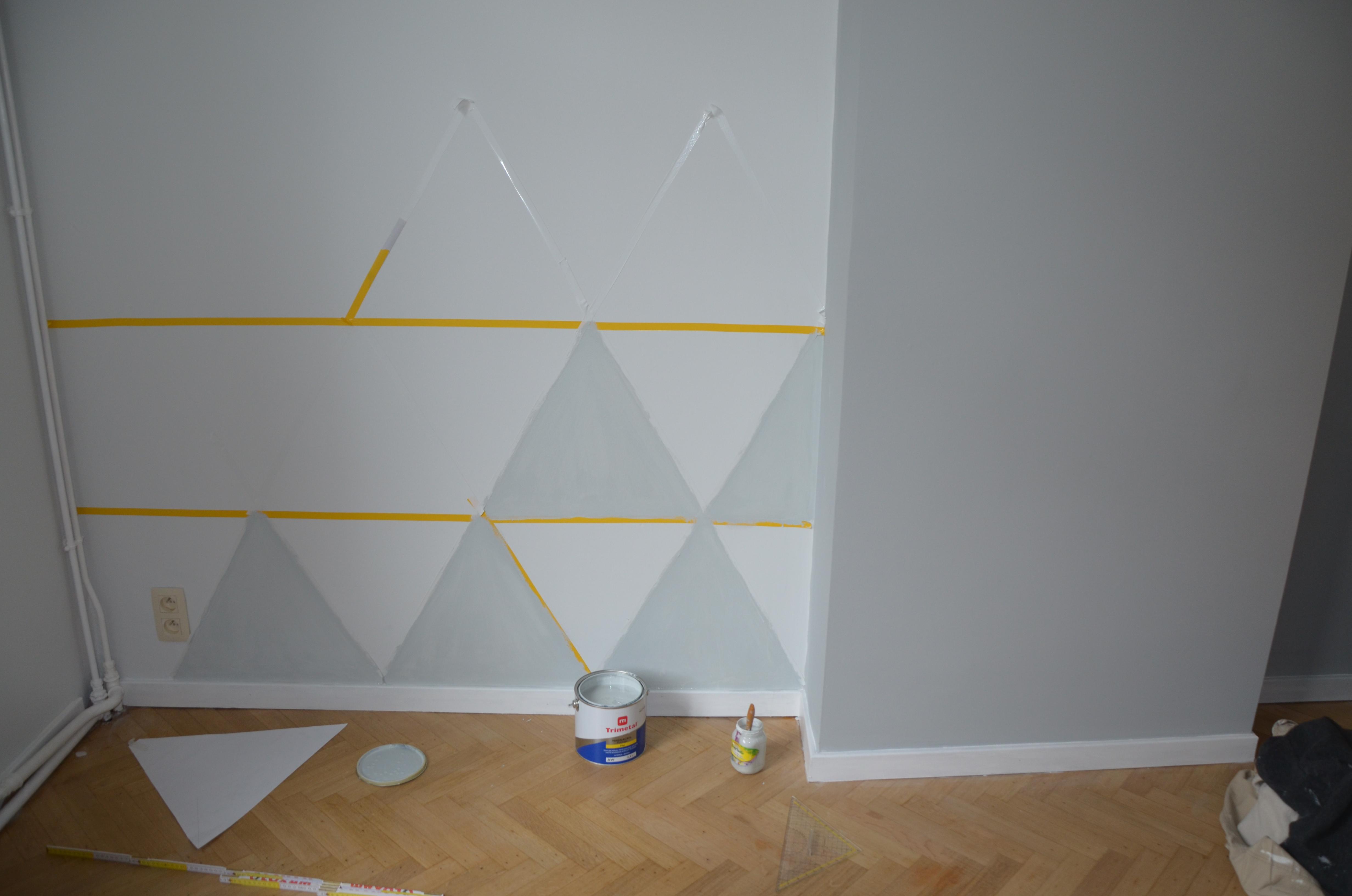 Peindre Triangle Sur Mur diy : le mur de triangles | barbaralabelge